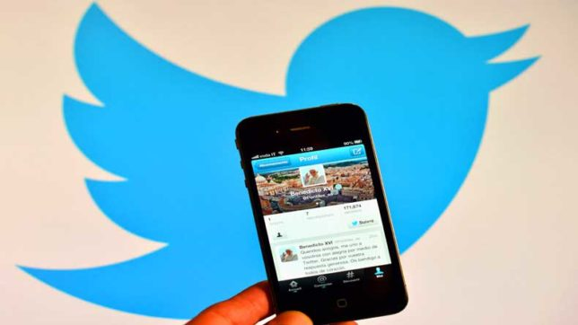 Micro-blogging website Twitter adds analytics to Moments