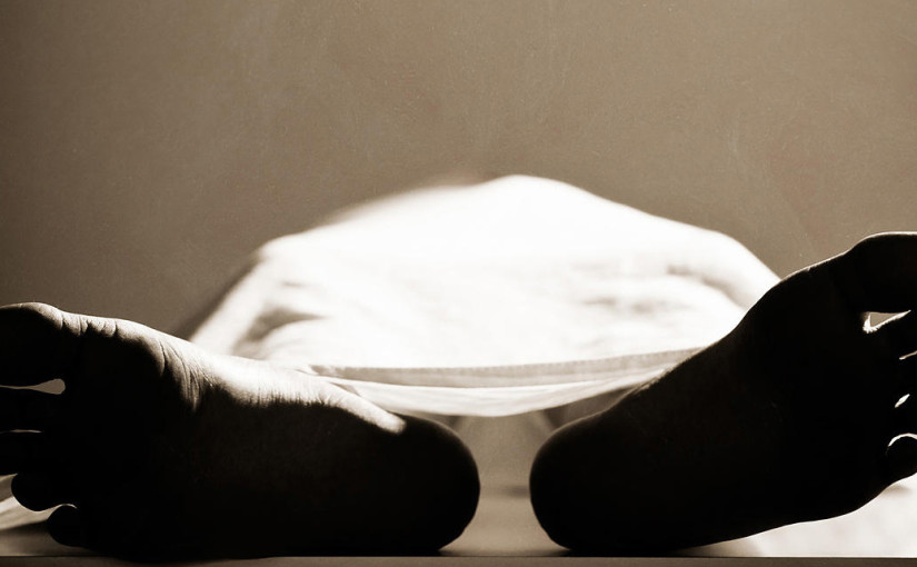 Hyderabad: Woman spends night on street with son's body