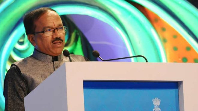 Taleigao: Goa Chief Minister Laxmikant Parsekar addresses during the closing ceremony of 47th International Film Festival of India (IFFI-2016) at Shyama Prasad Mukherjee Stadium in Taleigao, Goa on Nov 28, 2016. (Photo: IANS/PIB)
