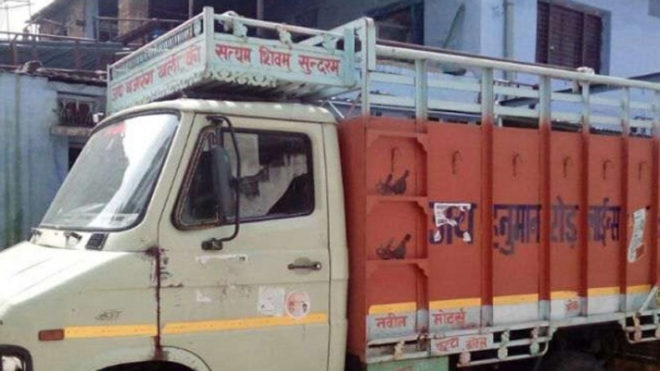 Speeding-mini-truck-crushes-minor-in-Dwarka