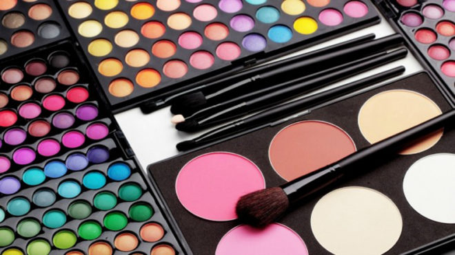 How to fix broken make-up products