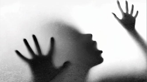 Teenage girl strangulated by lover in Murshidabad district in West Bengal
