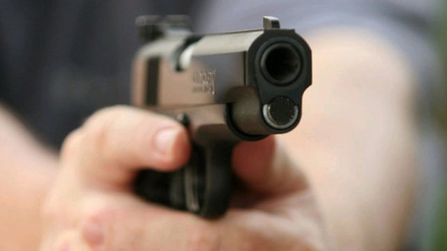 Man fires at Delhi Police, four held