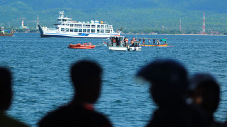 3 killed in Indonesia ferry fire