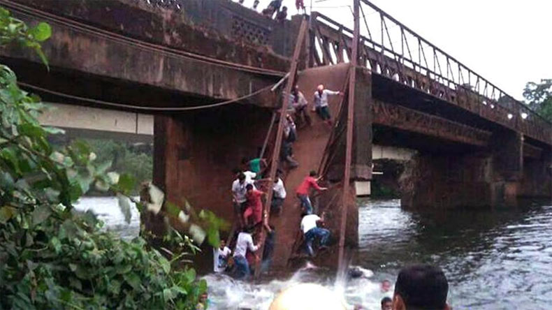2 dead, 35 rescued after bridge collapse in Goa