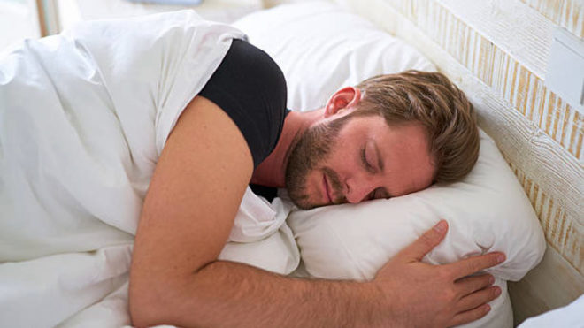 Men who sleep early may have healthier, fitter sperm: Study