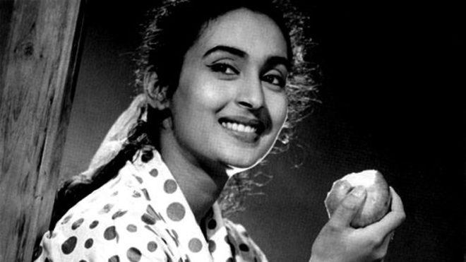 Yesteryear star Nutan's Mumbra bungalow robbed, 6 persons arrested