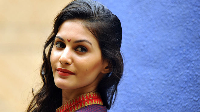 Haven't put Bollywood in backseat: Amyra Dastur