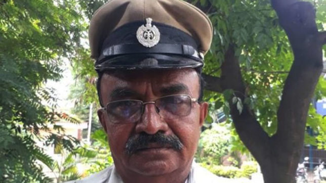 Bengaluru cop stops President's convoy to make way for ambulance; wins hearts