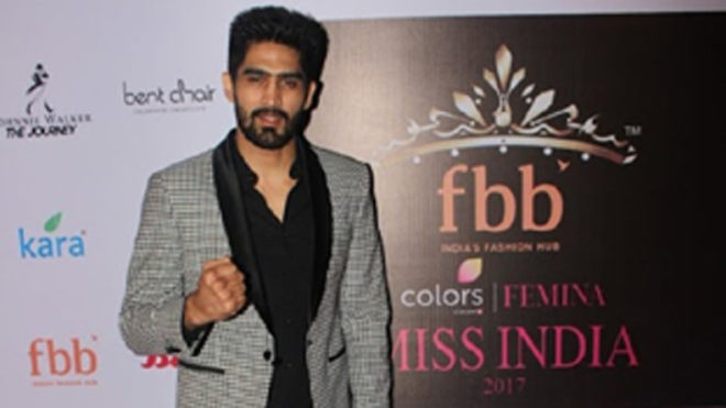 Boxing star Vijender Singh to meet Chinese star in next pro bout