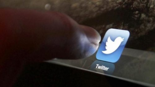 Negative tweets on TV programmes can cut viewers' interest