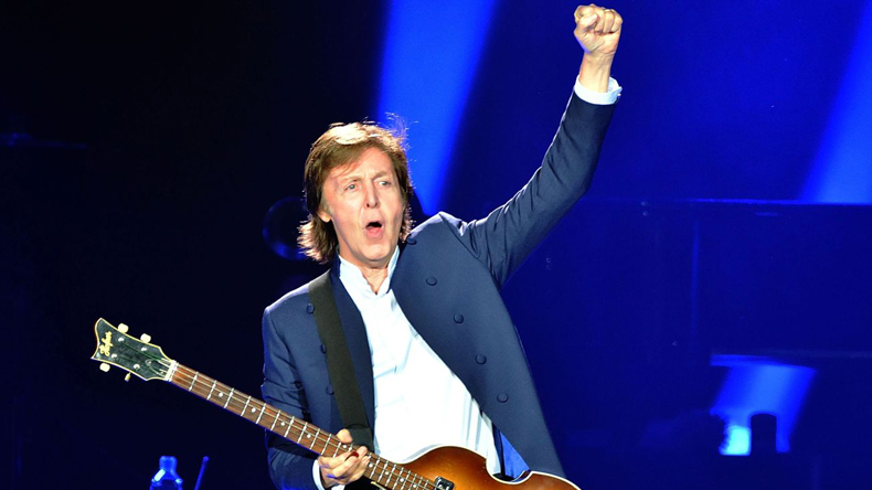 Paul McCartney says no to intoxication before performing
