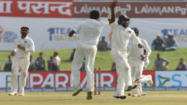 India thrash Sri Lanka by 304 runs to win first Test