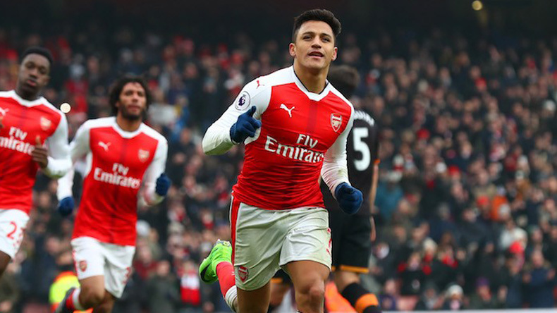 Alexis Sanchez returns back at Arsenal training amid transfer speculations