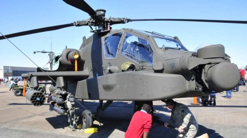Apache-attack-helicopters-cleared-for-Army