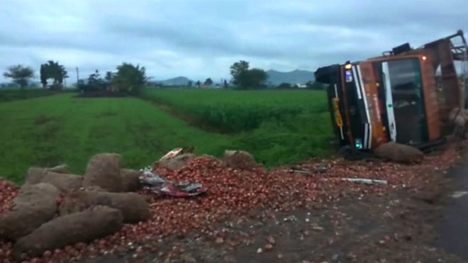8 dead, 10 injured in road accident in Maharashtra