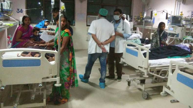 UP ministers to review Gorakhpur children deaths