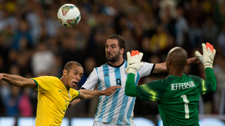 Gonzalo Higuain left out of Argentina squad for World Cup qualifiers