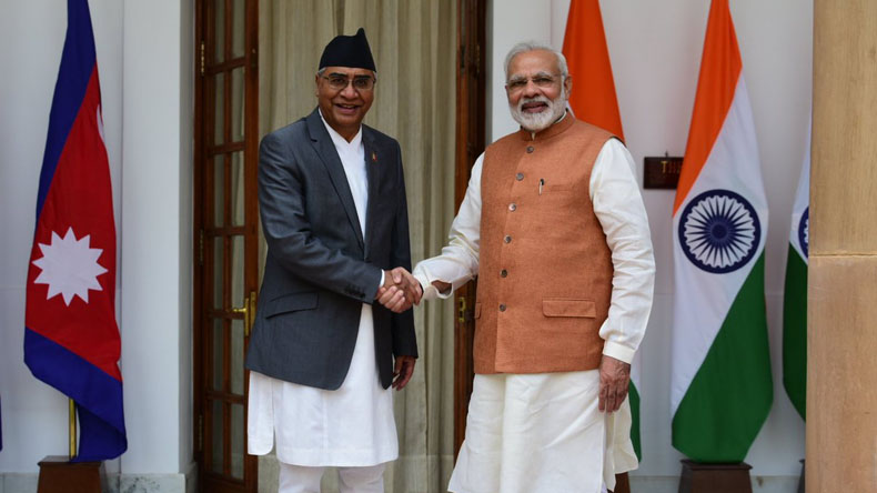 Visiting PM Deuba attends ceremonial reception, meets Indian EAM Swaraj