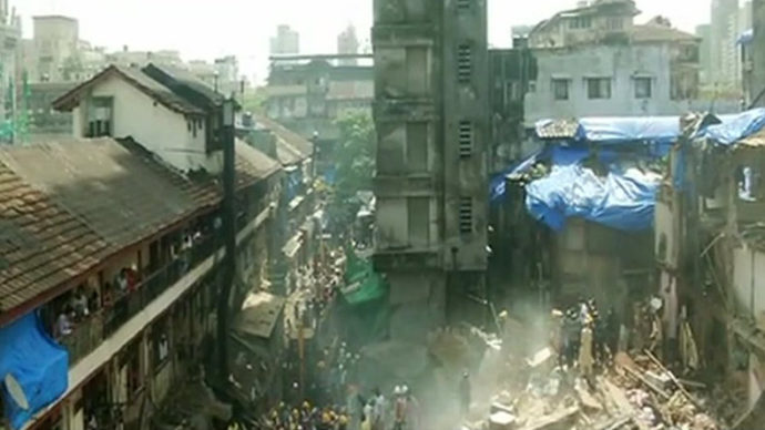 22 dead as Husaini Building collpases in Mumbai's Bhendi Bazaar area