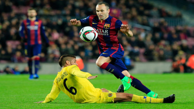 Iniesta contradicts FC Barcelona chief over contract extension