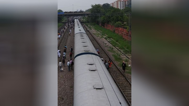 Ranchi Rajdhani express derails in Delhi