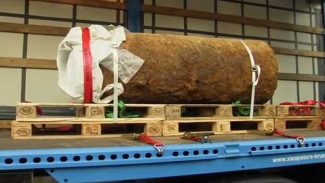 Frankfurt WWII bomb defused after mass evacuation