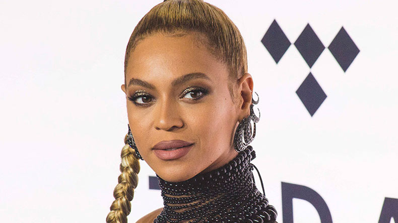 Beyoncé visits Houston to support victims of Hurricane Harvey