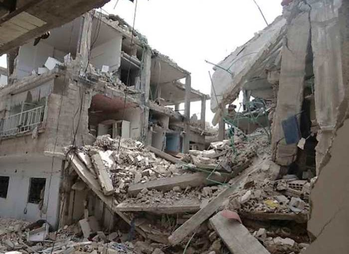 Building collapses in Sadar Bazar