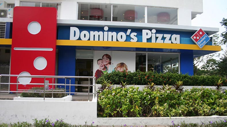 WATCH — Gurugram man finds live insects in Domino's seasoning packets; video goes viral