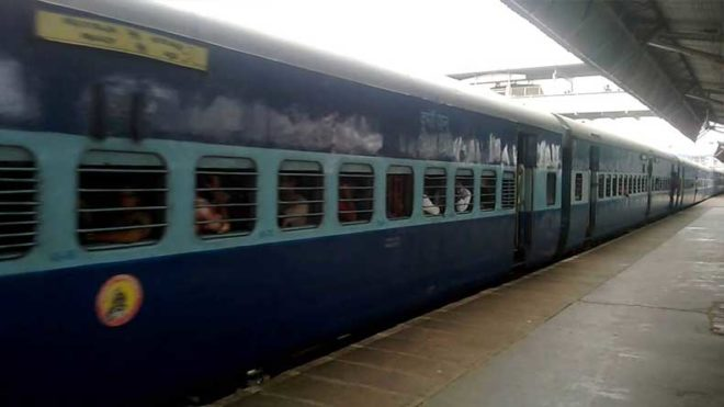 Kolkata: 1 dead, another injured while clicking selfie with moving train