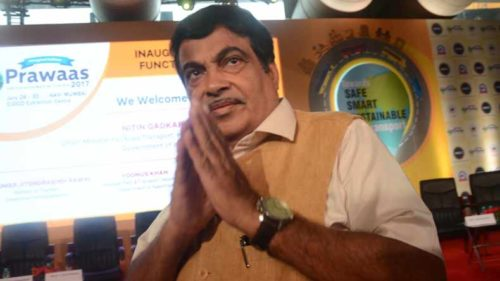 Nitin-Gadkari-announces-grant-of-Rs-60,000-crore-for-Kerala;-label-CPI(M)-'promoters-of-violence'