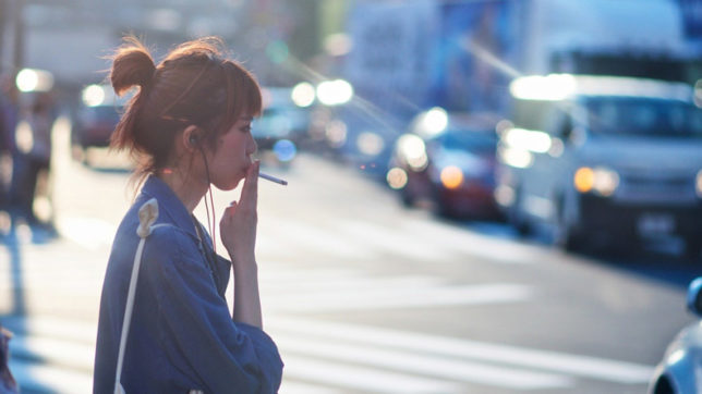Not smoking gets Japanese workers an extra week of vacation
