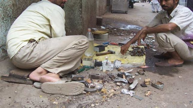E-waste poses severe heath risks in India: warns UN