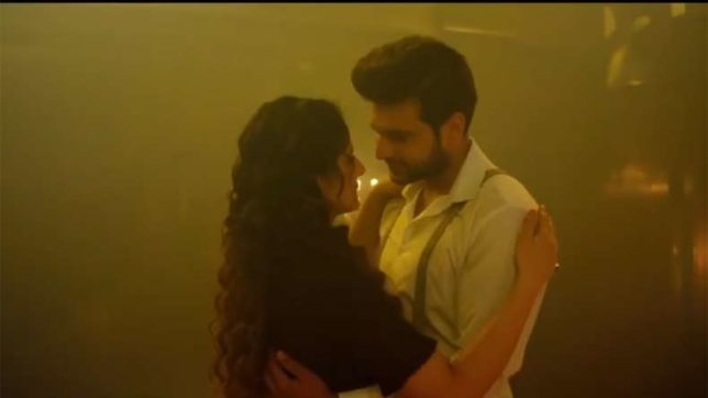 1921 new song Sun Le Zara: Zareen Khan, Karan Kundra steam it up in this romantic track