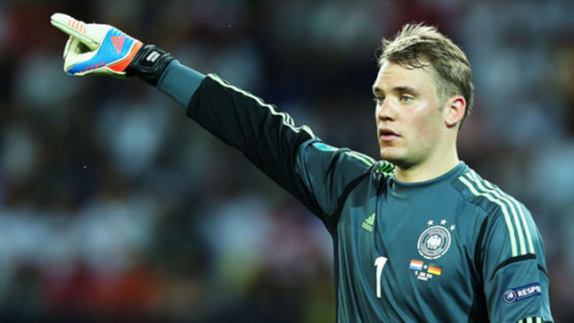 Injured goalkeeper Manuel Neuer out of Germany's World Cup qualifier