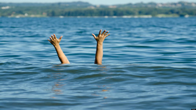 Four Agra girls drown in Yamuna, search for bodies on