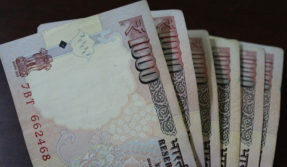 Maharashtra police constable tries to swallows bribe money on being caught