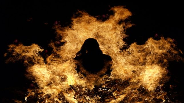 Bengal-woman-sets-herself-on-fire