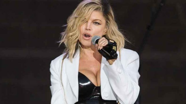 'Life-Goes-On'-singer-Fergie-flaunts-derriere-in-cheeky-image