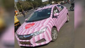 car-decorated-with-rs-2000-notes