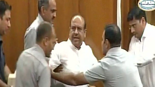 High drama in special Delhi Assembly session — BJP's Vijendra Gupta suspended for a day out
