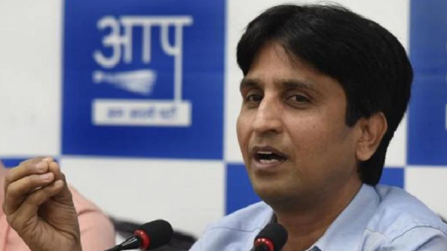 Emotional Kumar Vishwas accuses AAP leaders of conspiring against him; says will take call on future soon