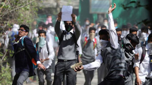 Kashmir unrest: School students clash with security forces in Pulwama; demand release of schoolmates