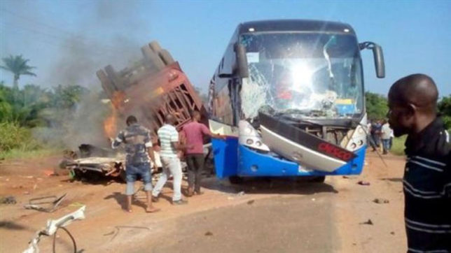 Bus collision kills 26 in Nigeria