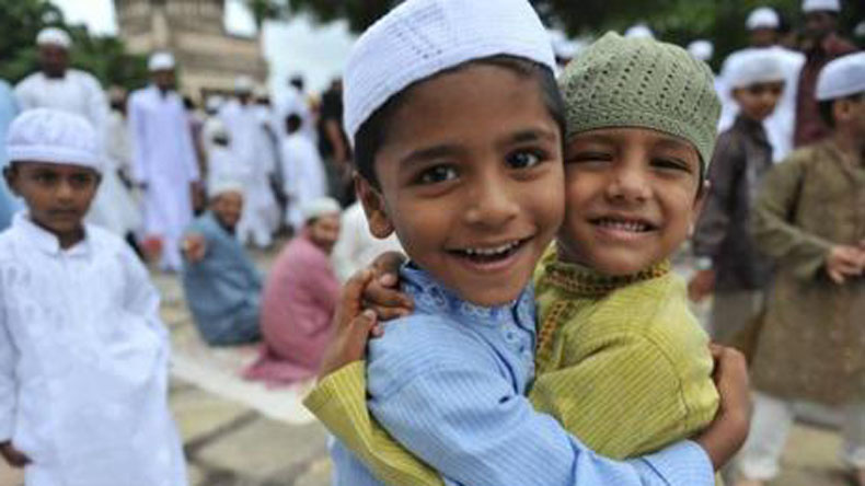 Eid Mubarak messages and wishes in Hindi for 2018: WhatsApp messages, Eid ul-Fitr wishes and greetings, SMS, Facebook posts to wish everyone