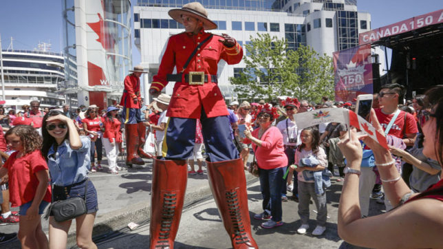 Canada marks its 150th Birthday with concerts and massive fireworks