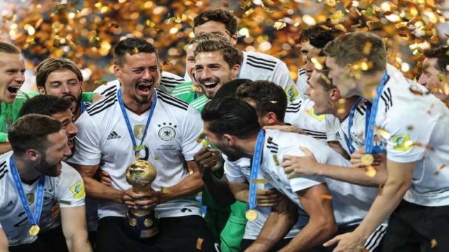 ST. PETERSBURG, July 3, 2017 (Xinhua) -- Players of Germany celebrate during the awarding ceremony after the final match between Chile and Germany at the 2017 FIFA Confederations Cup in St. Petersburg, Russia, on July 2, 2017. Germany claimed the title wi