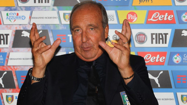 Italy's-football-coach-signs-contract-extension-until-2020