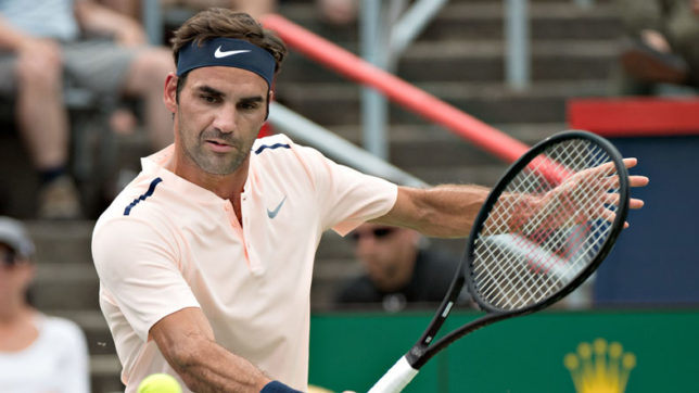 Roger-Federer-overcomes-rough-start-to-reach-Montreal-quarters